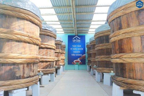 Thùng gỗ ủ mắm truyền thống Lê Gia.jpg